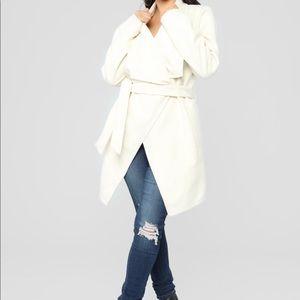 NWT Manhattan coat - Ivory size XS
